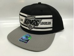 Kšiltovka Three Stripes Snapback LA Kings
